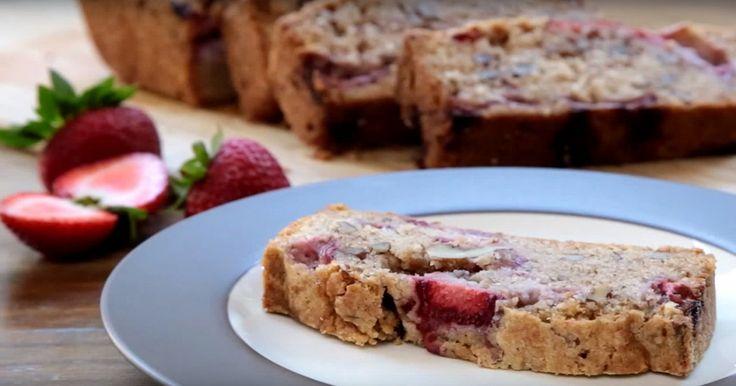 Rien de meilleur que ce pain fait à partir de fraises fraîchement cueillies! Imaginez le encore tout chaud avec de la crème fouettée... wow!