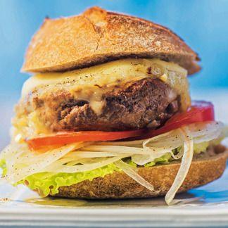Voici une super idée pour ce midi : un #Burger au crottin de #Chavignol #miam