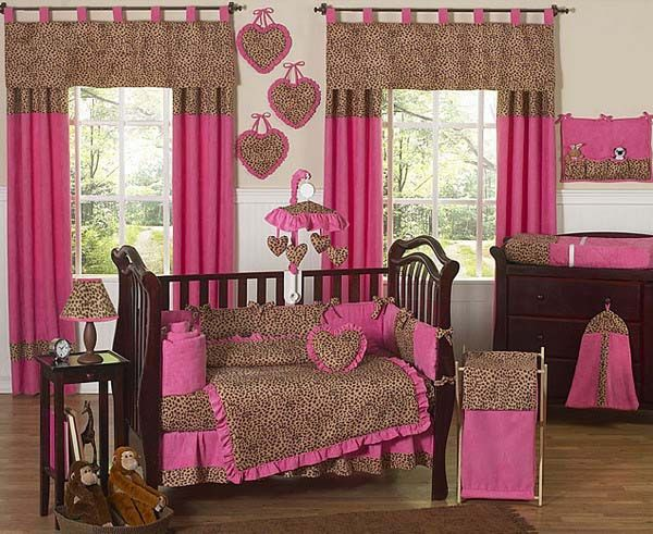 Walk On The Wild Side With The Pink Cheetah Print Girls Baby Bedding 9 Pc Crib Bedding Set By Sweet Jojo Designs The Set Features A Fun Cheetah