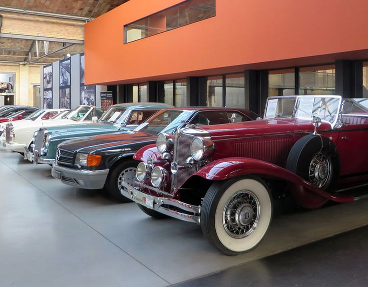 Sightseeing with a difference in Berlin: Classic Remise and its treasure trove of cars