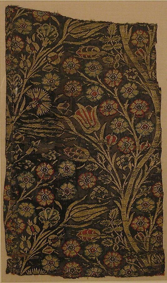 Fragment  Date:     first half 17th century Geography:     Turkey Culture:     Islamic Medium:     Silk, metal wrapped thread; lampas (kemha)