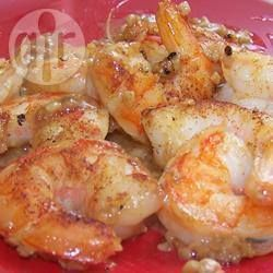 Camarones al mojo de ajo con chile guajillo