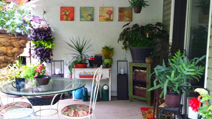 my sitting area is really shady and hardly gets any light, so these plants and decorations are some of the ways I used to brighten up my sitting space!