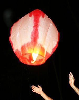 Aérien : le lâcher de lanternes