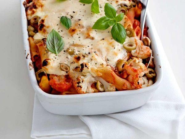 Bloemkoolpasta met kaasgratin - De Olijven en Basilium geven het nét die Italiaanse smaak waar ik zo van houd! En pasta natuurlijk!