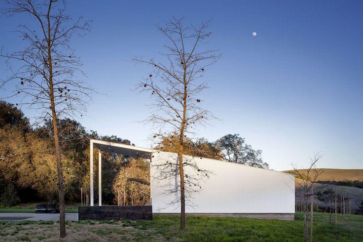 Stavba dosáhla nejvyšší úrovně mezinárodní zelené certifikace budov LEED Platinum, kterou získají jen domy, které projdou výjimečně přísnými kontrolami.