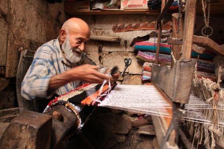 İletişim Araçları Arttı ama Muhabbet Azaldı | ALİ YILDIRIM