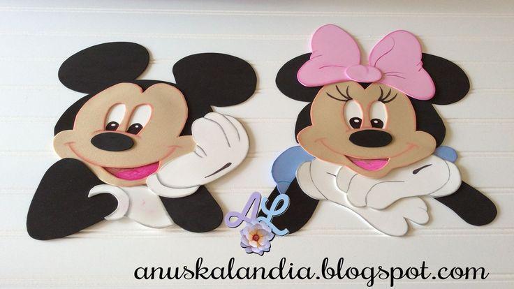 Mickey y Minne en goma eva. #elguatequedel2 Moldes gratis de Fomiart. http://www.fomiart.com/2016/06/moldes-gratis-minnie-mouse.html http://moldesgratuitos.blogspot.com/2016/06/moldes-gratis-busto-de-mickey-mouse-25.html
