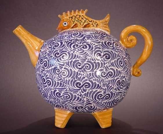 Yellow fish teapot · garden tea partiesceramic