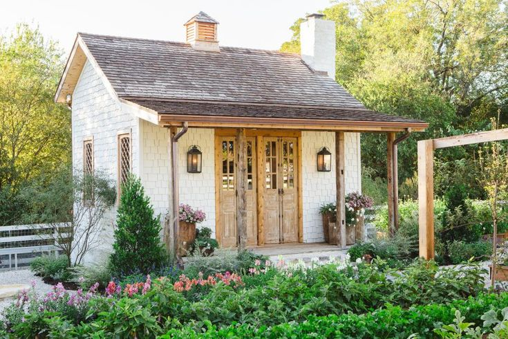 Fixer Upper: Chip and Jo's Family Garden Project | HGTV's Fixer Upper With Chip and Joanna Gaines | HGTV