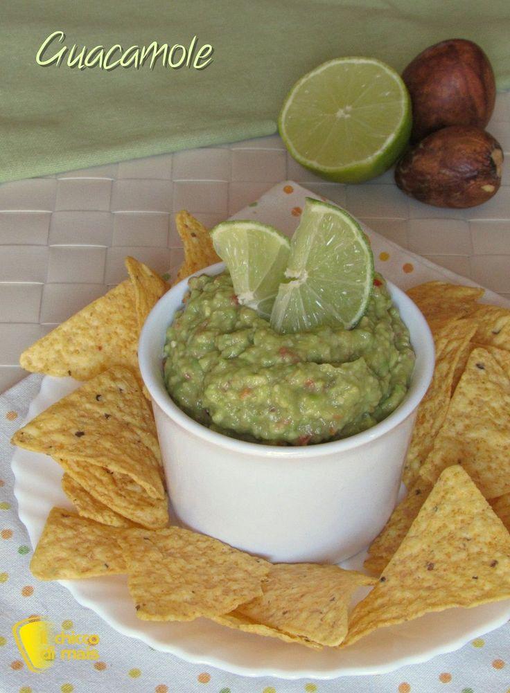 verticale_Guacamole ricetta messicana salsa di avocado per nachos e tortillas il chicco di mais
