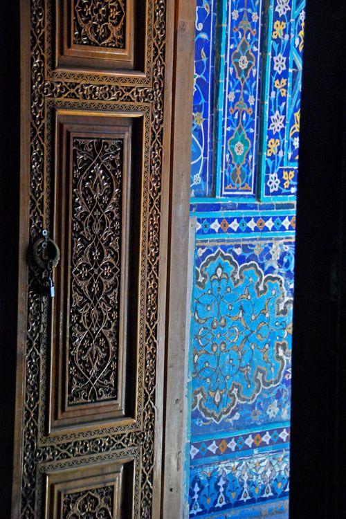 Shah-i-zindi, Samarkand, Uzbekistan   ©Ben Smethers - Ornately carved wood is so underrated in this country.