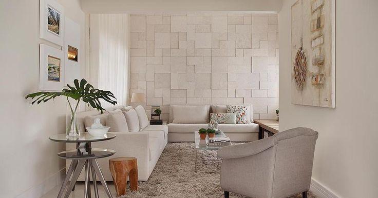 Sala de estar com tapete Felpudo e Poltrona de César Valenccia  - 58553 no Viva Decora