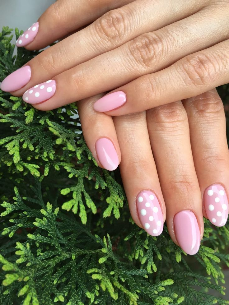 Dots to get in love with! #perfectlycarednails
