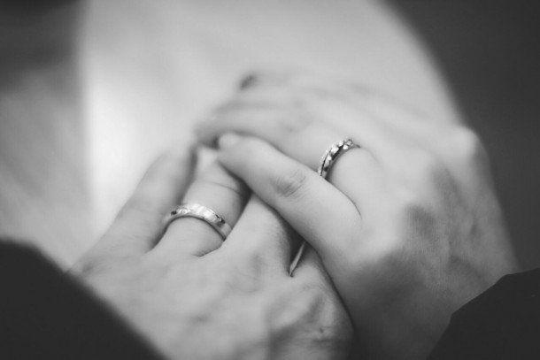 CASAMENTO SAGRADO, em que o nosso compromisso é assumido diante de Deus, diante desse grande mistério que nos conduz. É sobre este casamento, esta celebração, que prefiro compartilhar nesse post. O casamentoé uma união sagrada entre duas pessoas que aceitaram se amar ao mesmo tempo, numa dimensão física e limitada e numa dimensão espiritual.