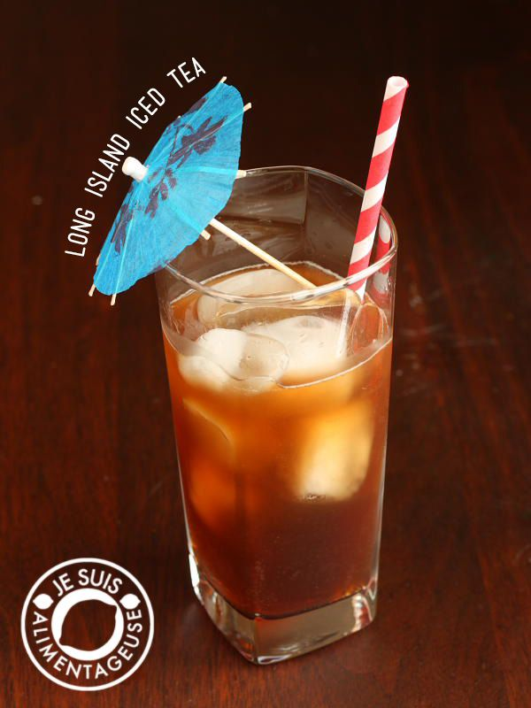 Cool off this summer with a batch of your own long island iced tea. | alimentageuse.com #summer #drinks #cocktails