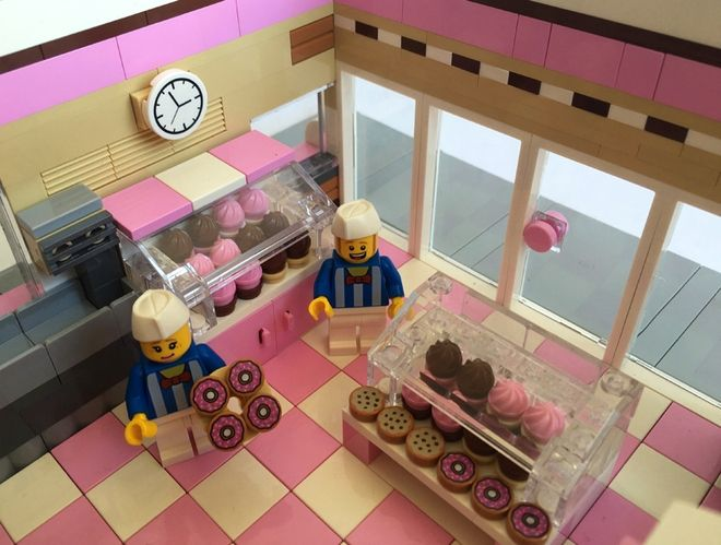 LEGO Ideas - Donut Shop - Modular City Store