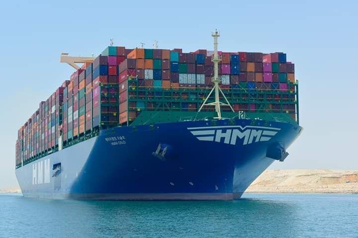 القاهرة خاص شهدت قناة السويس اليوم الأربعاء عبور سفينة الحاويات العملاقة Hmm Oslo ثاني أكبر سفينة حاويات في العالم في أولى رحلاتها البحرية ضمن قا Boat Tri