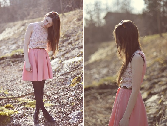 Pleats and lace!: Flare Skirt, Pink Dress
