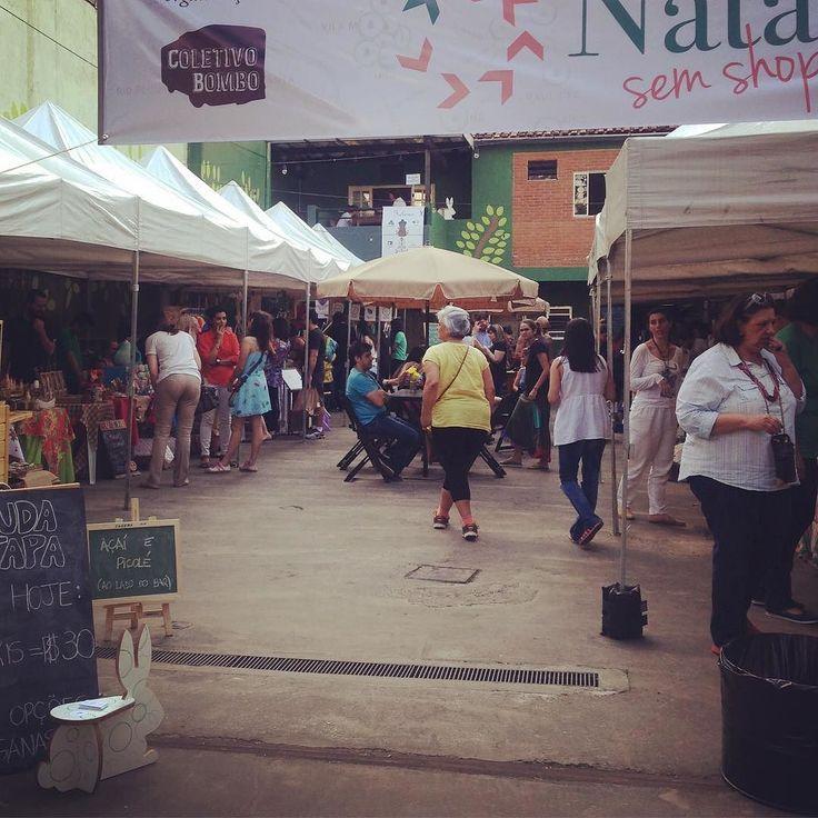 :)))))) Veeemmmm!!!! Local @ibirafoodsquare  Rua Joinville 186 Vila Mariana SP  E vcs? Vão pintar com a gente neste fim de semana?  O evento está online ;) em parceria com @sympla amamos parceiros. Corre lá e reserva um lugar pro seu filho brincar e criar.  http://ift.tt/2hhZ1tf  #OficinaKids3dSDT dia 17 e 18 Exposição e venda dos nossos #produtossustentáveis :) Participe!  Inscrições para a #oficinaKids  Info@dgreensp.org Vagas limitadas  A oficina acontece Das 16 às 18hrs Para participar…
