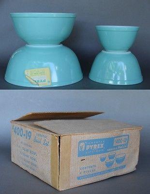 Set-of-4-Vintage-Corning-Glass-PYREX-400-19-Turquoise-Bowls-in-Original-Box