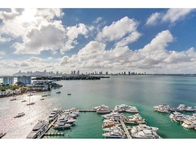 Bayshore Miami FL: Guide to Bayshore homes for sale, real estate trends, neighborhood info. Bayshore listings, home pictures, prices, maps, floorplans, etc.
