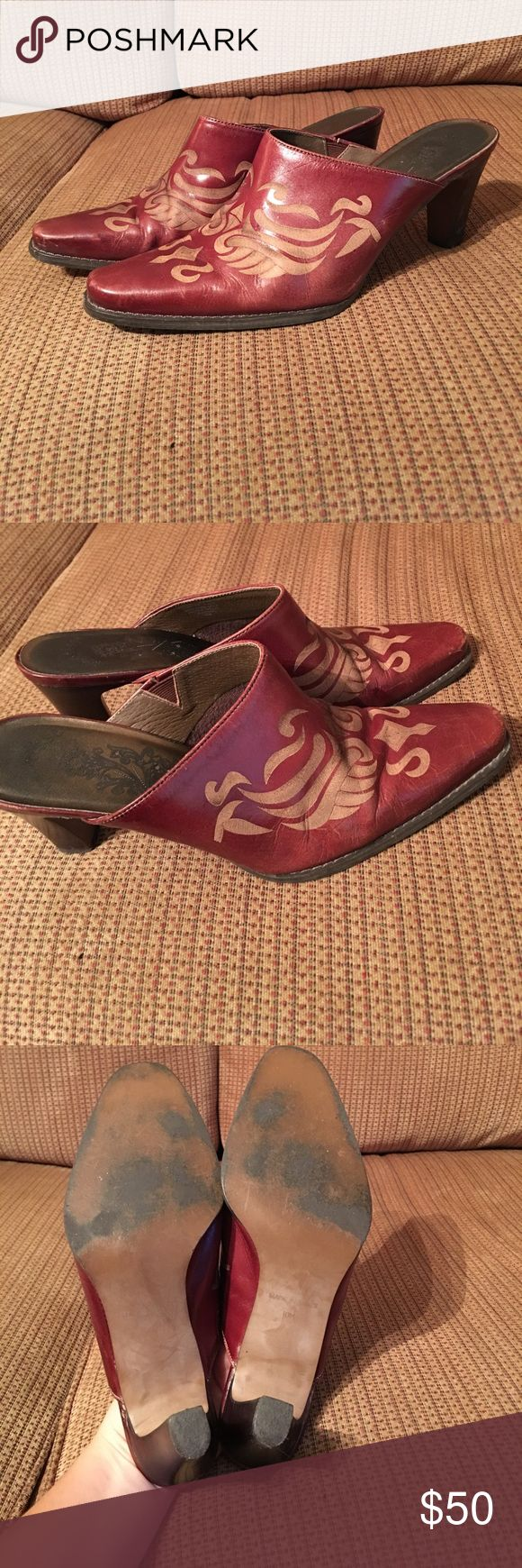 Matisse Mules Women's leather Matisse mules. Worn a handful of times. Extremely comfortable. Pictures makes them look red but the leather if more brown. Matisse Shoes Mules & Clogs