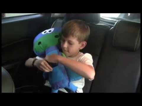 Como fazer uma almofada de cinto de segurança para criança - YouTube
