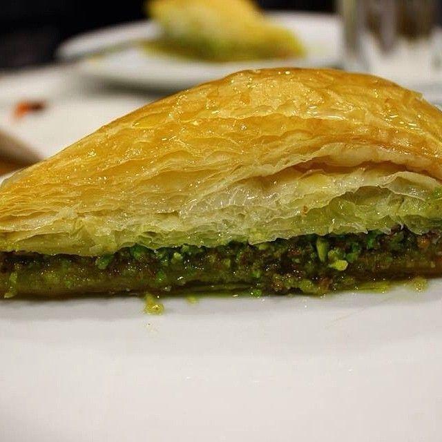 Havuç Dilimi Baklava - Çulcuoğlu Restaurant - Şanlıurfa ---> http://instagram.com/p/mifhGtrKus/