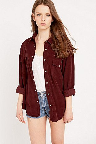 Urban Renewal Vintage Customised Pinwell Cord Shirt in Burgundy - Urban Outfitters