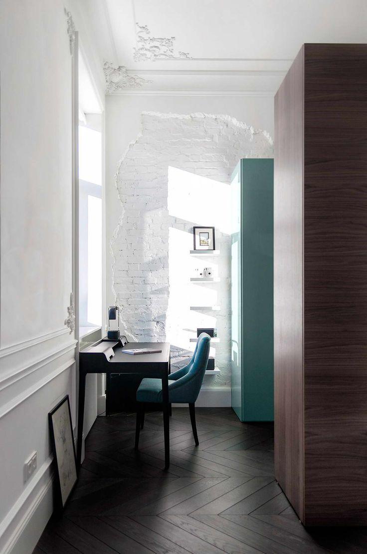 Modern lakás a klasszikus 19. századi térben,  #19.század #bejárat #design #dizájn #dolgozó #előszoba #étkéző #fürdő #fürdőszoba #gardrób #háló #hálószoba #konyha #különleges #lakberendezés #modern #nappali #régi #tükör #új #üveg #üvegfal, https://www.otthon24.hu/modern-lakas-klasszikus-terben/