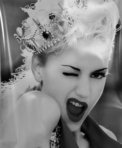 gwen stefani: Gwen Stefani, Girls Crushes, Gwenstefani, Invi Crowns, 90S Childhood, The Queen, Style Icons, Princesses, Rocks