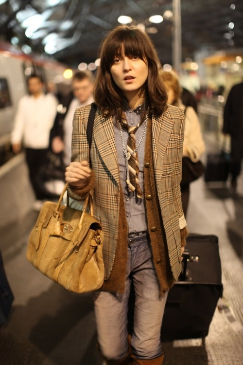 I so love Irina Lazareanu's style! And love her hair!