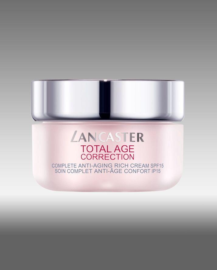 Lancaster Total Age Correction, per la pelle disidratata aiuta il viso a ritrovare nuova freschezza. Essendo molto nutriente, rafforza l'epidermide.