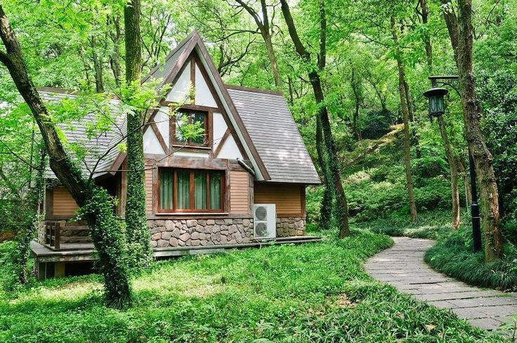 How To Build A Completely Off-the-Grid, Self-Sustaining