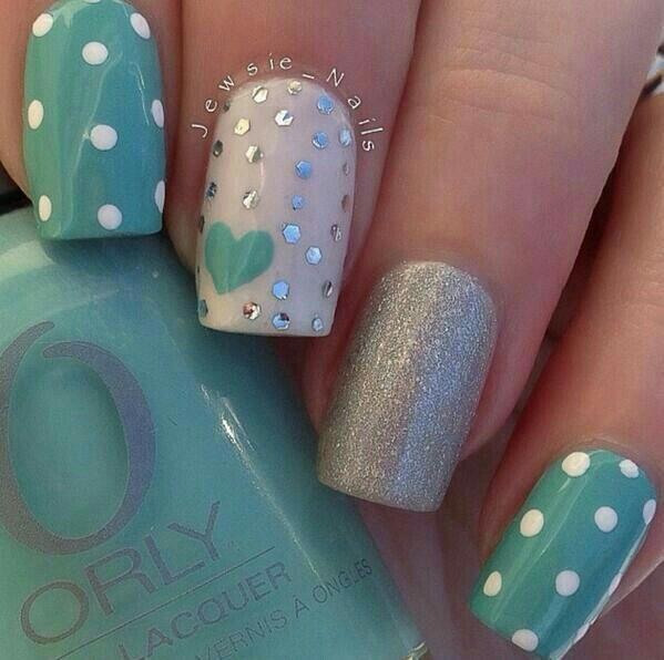 Nails turqoise