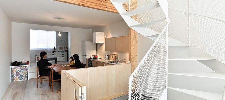 間口5.5mながら広く、明るい空間大きな吹き抜けとリゾート気分の浴室のある家