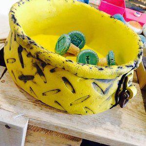 #nloop_corfu #corfu #yellow #pot #handmadewithlove #handmadeceramics #firsthingandnoel