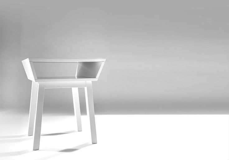 Sidobord / sängbord vit | White bed table design Björn Welander @welanderdesign