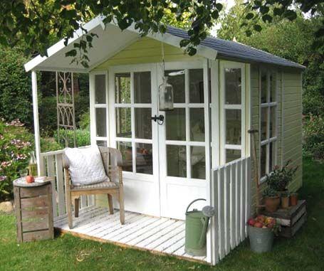 Gartenhaus mit terasse summerhouse ideas garten gartenhaus haus - Englisches gartenhaus ...