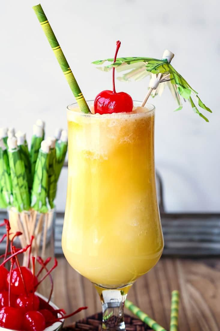 Pina Colada A Frozen Pineapple Rum Cocktail In 2020 Pina Colada Recipe Pina Colada Colada