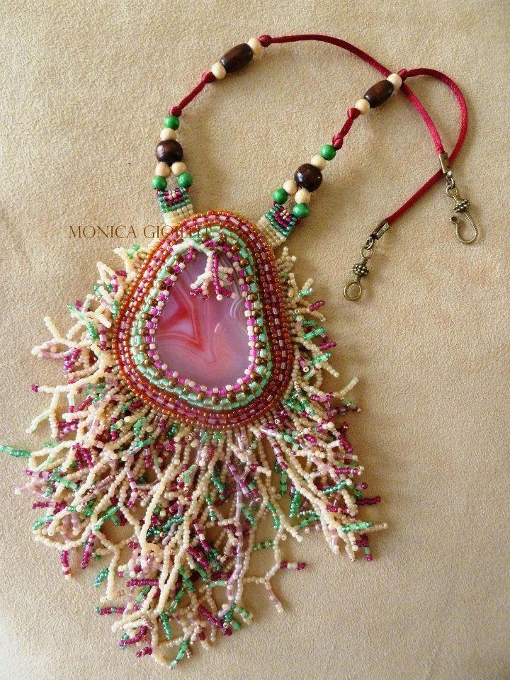 """Collana """"Grande barriera corallina"""" con agata e perline in vetro, by Monica Gioielli, 63,00 € su misshobby.com"""