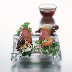 Thaise sla wraps met mihoen, rosbief en garnalen - recept - okoko recepten