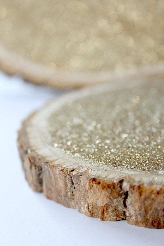 6 Gold Glitter Tree Stump Slice for Vintage and Rustic Celebrations by DAPPSY