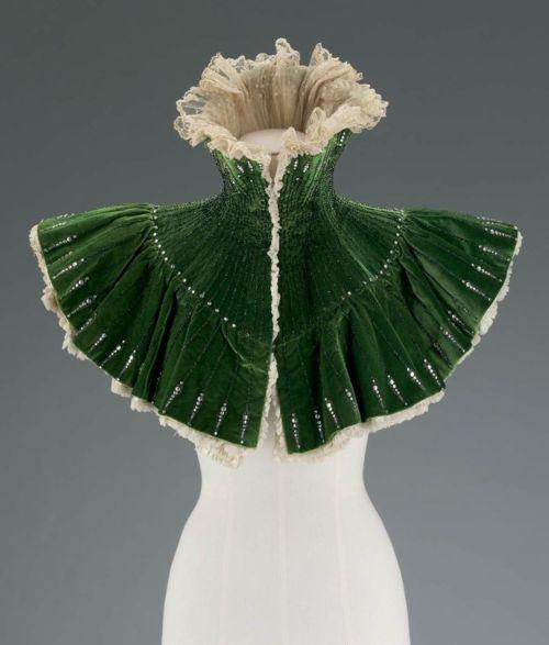 1900 Green Velvet Evening Mantle.Evening Dresses, Fashion, Boston, Department Stores, Green, Historical Clothing, Fine Art, 1900 S, Mantles