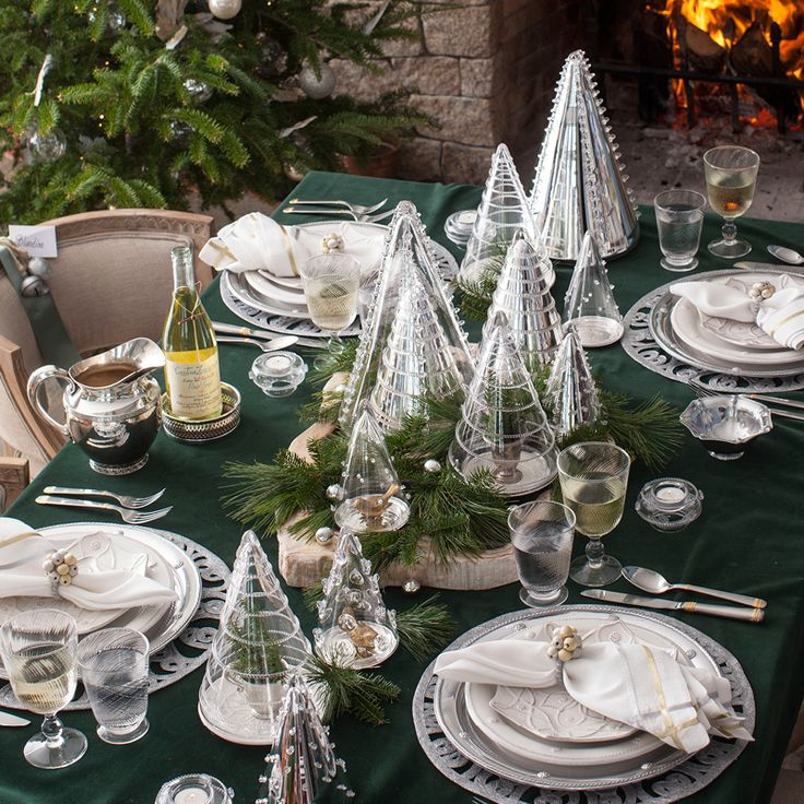 Set a twinkling table! Layer shimmering metallic shades with winter whites and glistening glass. Pair our Bohemian Glass Trees with swirling Arabella Glassware, snowflake shaped Jardins du Monde, and gold & silver accessories.