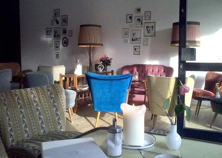 Eines unserer Lieblingscafés in Münster. Das Teilchen und Beschleuniger. Einfach ein Träumchen!    Teilchen u Beschleuniger. Cafe Münster. Wolbecker Str.    http://www.facebook.com/teilchenundbeschleuniger