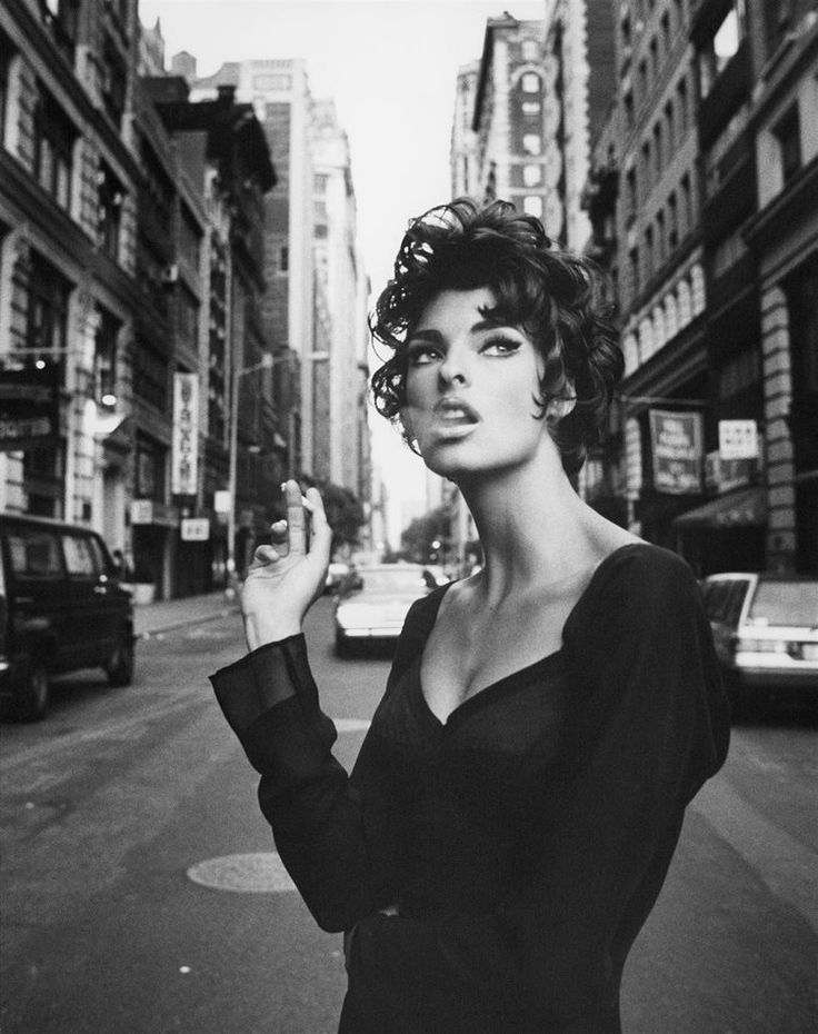 Vogue Italia Jun. 1990 - Steven Meisel  Model: Linda Evangelista