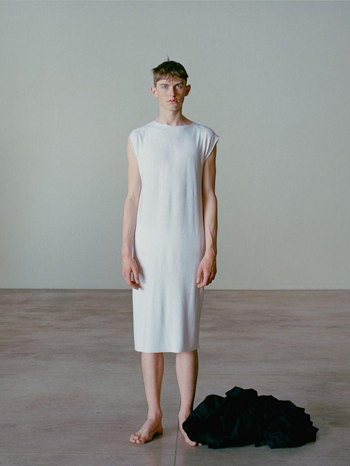 EMPEROR'S NEW CLOTHES 7' Directed by. Nicola Baratto Marta Modena Fanny Muggiani Piccioli Photographers. Scandebergs Fashion Designer. Nono Leni