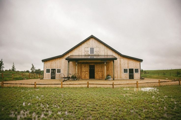 Today's rustic ranch wedding is so amazing! We know that rustic ranch weddings are so on trend and this wedding is  no exception. This couple met working at a ranch in southern Alberta so this wedding truly fits them to a T.  The stunning barn and outdoor ceremony are just perfect. The colors of blush, navy and brown compliment each other so well.